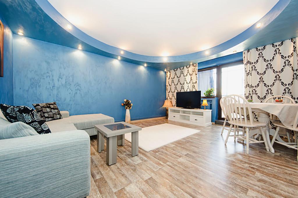Deluxe Three Bedroom Apartment ELECTROPUTERE PARC Craiova